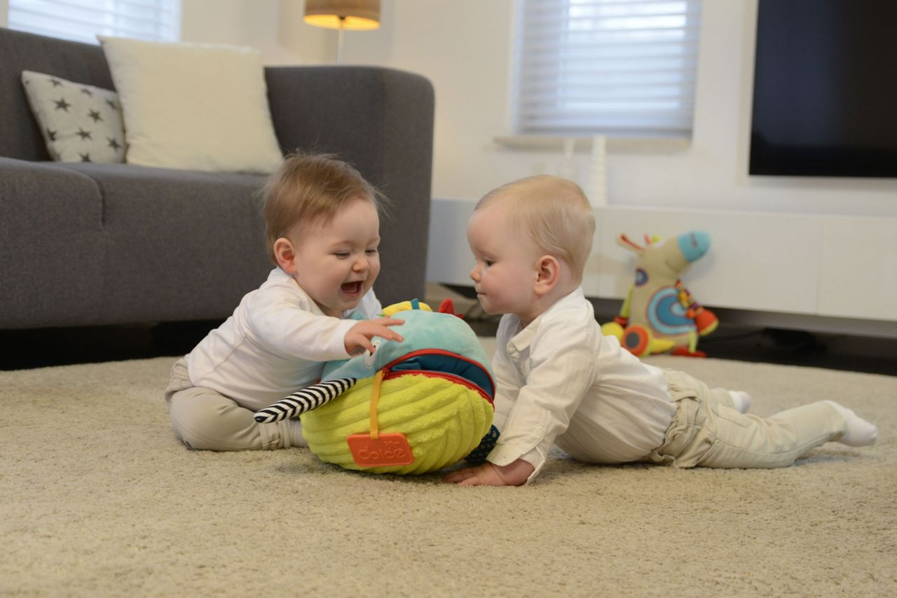 Dlaczego tak ważne są zabawki sensoryczne dla dziecka?